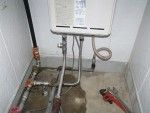 2Fの給湯配管に接続「太陽熱温水器据付」19
