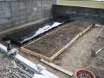 駐車場を畑に・・・・畝作り 4.土の配分