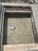 グレーチング流し場の底を仕上げ「駐車場に散水栓」30