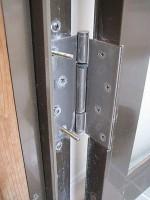 ドアの建て付けが悪い「K様邸の設備点検」丁番の取替え